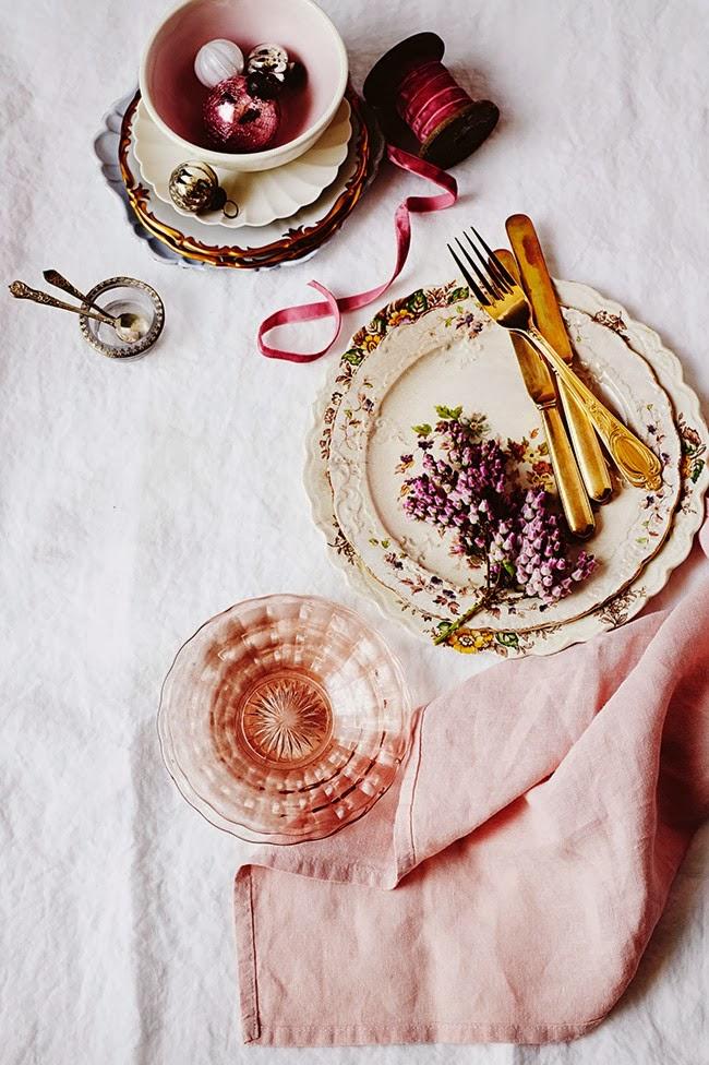Złote sztućce, zastawa stołowa retro