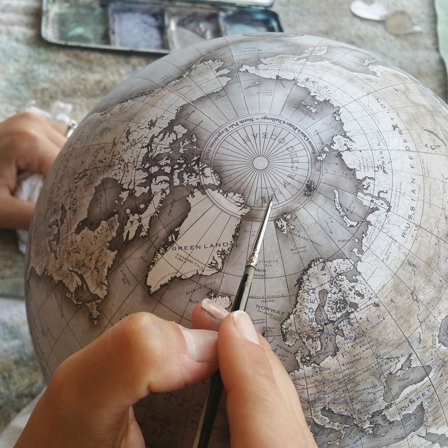 One-of-the-Worlds-Only-Globe-Making-Studios-Celebrates-the-Ancient-Art-of-Handcrafted-Globes4__880