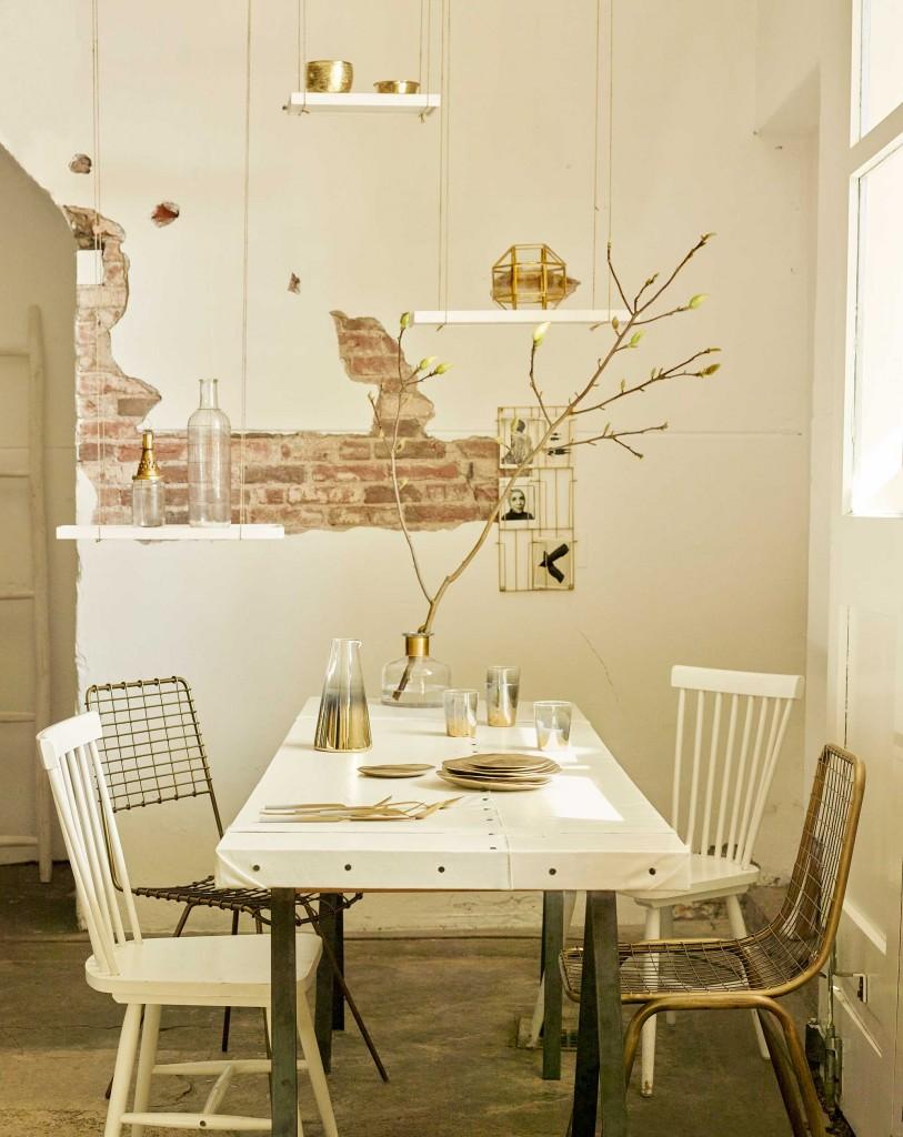 eethoek-roomwit-goud-tafel