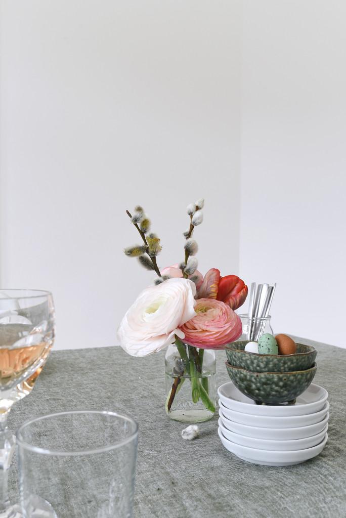 Easter+Brunch+Tabletop+on+decor8-6