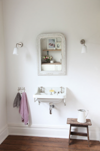 bathroom-with-grey-and-pink-towel