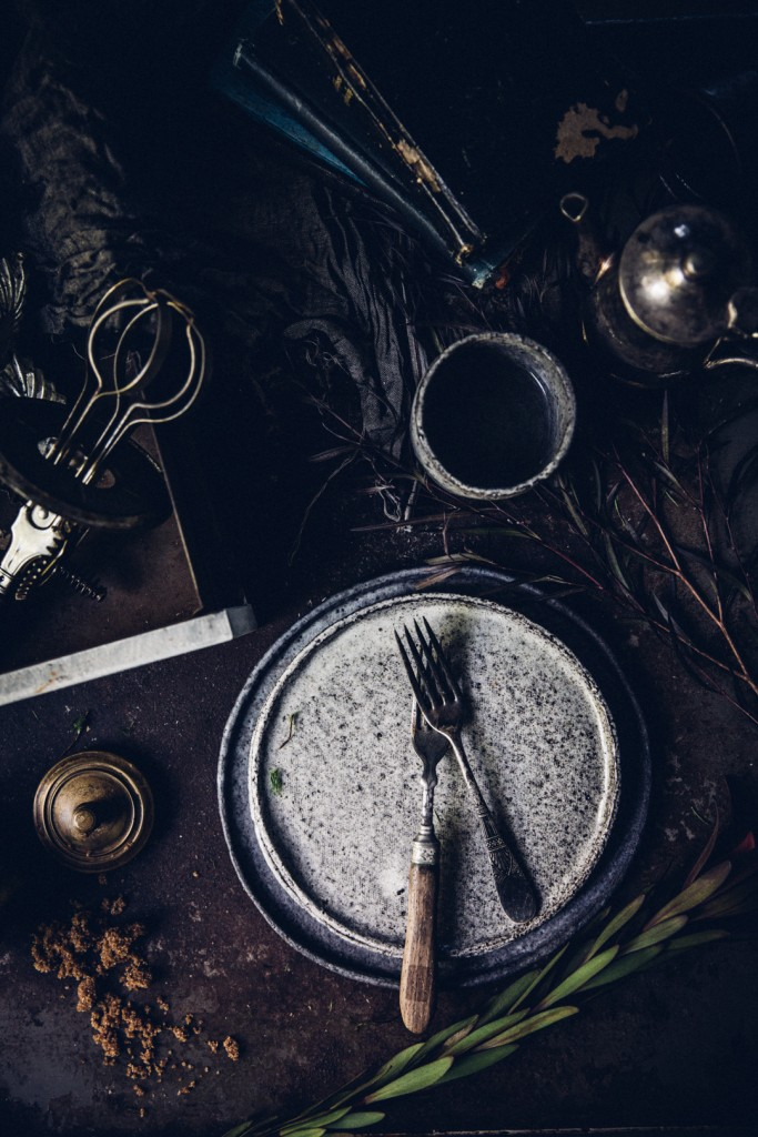 winter-nordic-cake-with-a-rhubarb-black-current-rose-jam-photography-styling-by-christiannkoepke-com-2