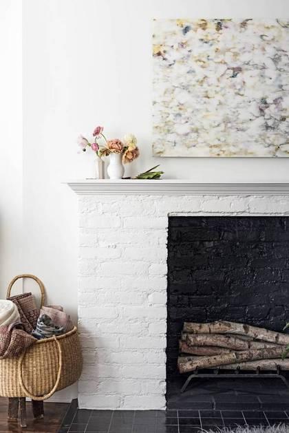 summer-cover-girl-ulla-johnson-s-light-layered-home-white-living-room-1464115767-57449c9e1f1859cc5a972ccf-w668_h629
