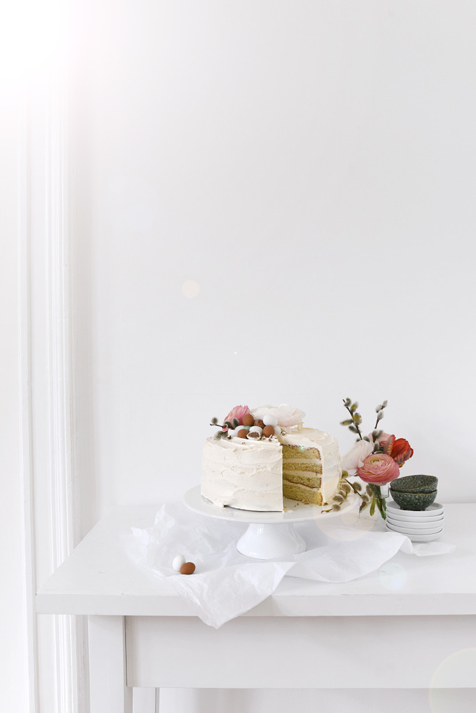 6+DIY+Easter+Tabletop+IDEAS+and+a+gorgeous+cake+recipe